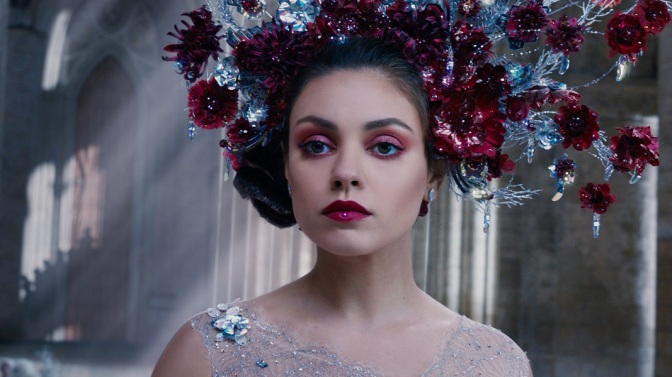 "Tons of New Stills from ""Jupiter Ascending"" Released"