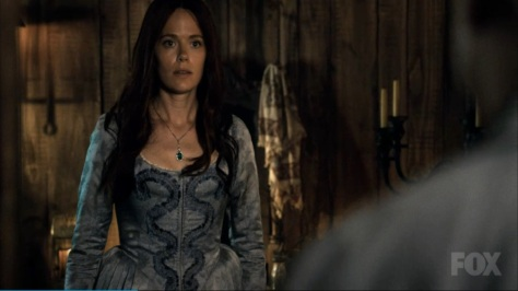 sleepy-hollow-katrina-new-dress x800