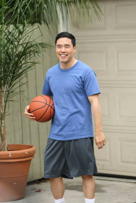 fresh-off-the-boat-Louis-Randall-Park-Basketball