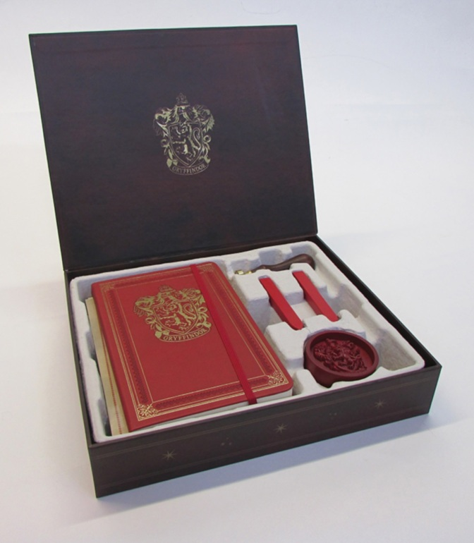 Review: Harry Potter: Gryffindor Deluxe Stationary Set