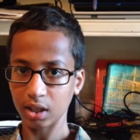 America Backs Wrongly-Accused Teen Ahmed Mohamed With #IStandwithAhmed